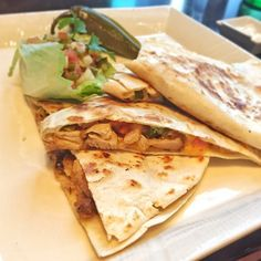 Late lunch in the form of Chicken quesadilla ☺️#macau