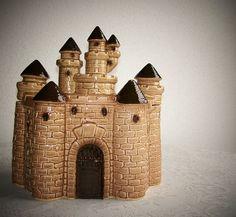 Twin Winton Castle Cookie Jar