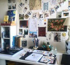 57 Cozy Diy Apartment Decor Ideas - nicolette news Bedroom Inspo, Bedroom Decor, Bedroom Ideas, Decor Room, Room Decorations, Bedroom Colors, Uni Room, Dorm Room Art, Aesthetic Room Decor