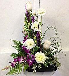Simple Serenity (Conroys Blumen in La Mirada, CA) - Kirchenschmuck - Altar Flowers, Church Flowers, Funeral Flowers, Flowers Garden, Indoor Flowers, Bouquet Flowers, Wild Flowers, Contemporary Flower Arrangements, Beautiful Flower Arrangements