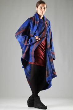 VIVIENNE WESTWOOD Anglomania - Long, Wide And Asymmetric Coat In Mouflon And Alpaca Wool With Tartan Pattern :: Ivo Milan