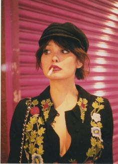 taylor lashae: the london edition - Chloe Sheppard