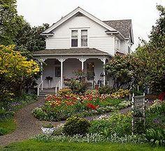 I'm So Vintage: a white cottage