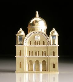 Vicki Ambery-Smith, Florence Synagogue brooch
