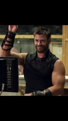New trending pictures collection super heroes & Avengers in very handsome and storng Avenger Thor pic collations Luke Hemsworth, Hemsworth Brothers, Elsa Pataky, Avengers Team, Melbourne, French Songs, Man Thing Marvel, Marvel Actors, Picture Collection