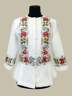 Bohemian Costume, Batik Fashion, Dress Neck Designs, Batik Dress, Short Tops, Clothes For Women, Womens Fashion, How To Wear, Fashion Design