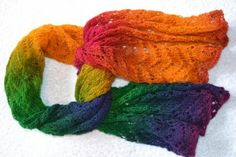 Shawls & Scarves - Kunterbuntes Gute-Laune-Sommertuch (Lace) Mit Ajourmuster http://www.ezebee.com/masche21