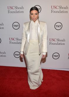 Kim Kardashian Blazer - Kim Kardashian was all covered up in an ivory Balmain blazer layered over an Alexander McQueen ruffle button-down during the USC Shoah Foundation anniversary gala. Kim Kardashian Blazer, Kim Kardashian Wedding, Kardashian Style, Kardashian Jenner, Kardashian Fashion, Kylie Jenner, Balmain Blazer, Kim And Kanye, Kanye West