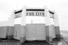 The entrance to Portobello's fun fair, not far from the power station and swimming pool.