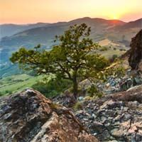 Location Can Affect Mesothelioma Risk People who live close to ancient rock formations called ophiolites are at higher risk of mesothelioma and other asbestos-related diseases. http://www.survivingmesothelioma.com/news/view.asp?ID=001483#.UYOg2JXd7ww