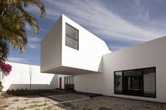 Casa Estudio en el mar Chapálico / ARS° Atelier de Arquitecturas