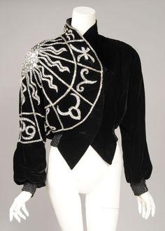 Elsa Schiaparelli inspired zodiac jacket by Bob Mackie. Elsa Schiaparelli, 1930s Fashion, Vintage Fashion, Vintage Vogue, Looks Style, My Style, Vintage Outfits, Dress Vintage, Black Velvet Jacket