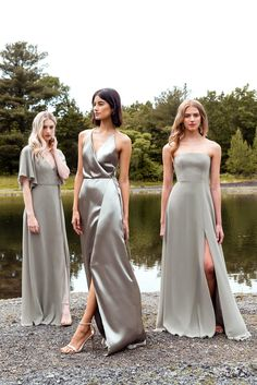 Sophisticated bridesmaid dresses with a modern twist? Jenny Yoo has got em! Her 2020 bridesmaid collection features youthful silhouettes with color, whimsy and luxe textures we cannot get enough of, so we just had to share them with the world! Mismatched Bridesmaid Dresses, Green Bridesmaid Dresses, Blue Bridesmaids, Wedding Bridesmaids, Bridesmaids In Different Dresses, Green Wedding Dresses, Burgundy Bridesmaid, Beautiful Bridesmaid Dresses, Bridesmaid Outfit