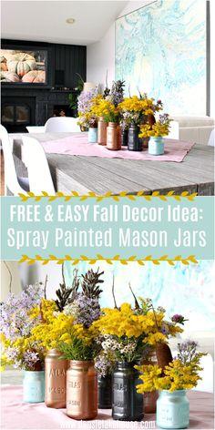 Free Spray Paint Mason Jars, Mason Jar Vases, Painted Mason Jars, Mason Jar Crafts, Mason Jar Diy, Mason Jar Centerpieces, Flower Centerpieces, Fall Home Decor, Autumn Home