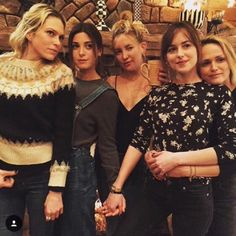 Dakota, Kate Hudson and friends in Aspen CO 12/21/15
