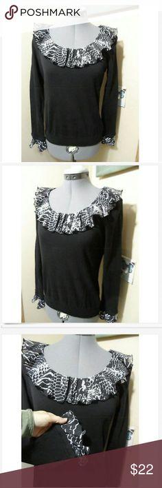 AUGUST SILK Ruffled Sweater Top M Black Gray scoop