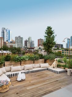 Tour a Modern Renovation of a Former Navy Boardinghouse - Terrasse