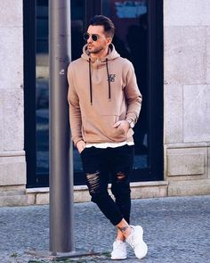 8 Playful Tips AND Tricks: Urban Wear Fashion Products urban fashion swag flannels.Urban Wear For Men Hats urban wear for men hats. Urban Fashion Girls, Mens Fashion, Fashion 2018, Look Man, Vetement Fashion, Sneakers Mode, Stylish Mens Outfits, Herren Outfit, Urban Street Style