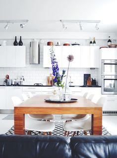 eames,dsw,tiililadonta,keittiö,ruokapöytä