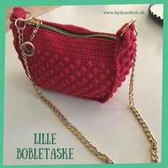 """Sådan hækler du """"SunShine"""" tasken - By Damsbak Hækleopskrifter Crochet Pouch, Crochet Bags, Popcorn Stitch, Crochet Handbags, Card Making, Quilts, Purses, Crafts, Inspiration"""