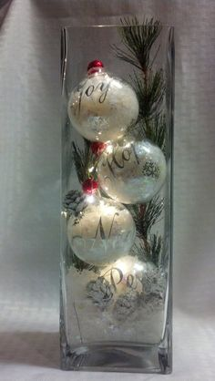 ornaments with lights inside/snow and light ornaments/tall vase with ornaments/Christmas vase. - ornaments with lights inside/snow and light ornaments/tall vase with ornaments/Christmas vase with - Christmas Vases, Christmas Table Decorations, Christmas Home, Christmas Wreaths, Christmas Lights Inside, German Christmas, Christmas Movies, Country Christmas, Christmas Snowman