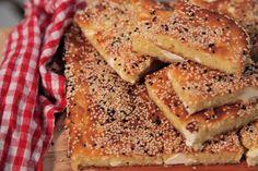 Η τυρόπιτα της τεμπέλας Κρητικιάς Cheese Pies, Easy Cheese, Banana Bread, French Toast, Sandwiches, Stuffed Peppers, Baking, Breakfast, Desserts