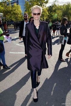 #TildaSwinton arriving for #fashionshow for #HaiderAckermann in #Paris 2012