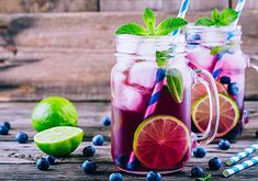 The ingredients in this recipe are immune boosting superfoods which can help fight off infections and you won't miss the alcohol. Nutrition Holistique, Health Blog, Mojito Mocktail, Sparkling Mineral Water, Fresh Mint, Balanced Diet, Superfoods, Vegan Vegetarian, The Originals
