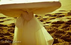 La Femme Joline: wedding podium, sand, sea, heart