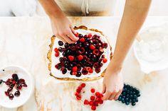 Tarte mascarpone aux fruits rouges |MilK decoration