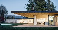 This home in Oak Knoll, California by Jørgensen Design , maintains a distinctly low-profile, with a single floor spread across the property.