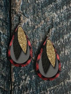 Buffalo Plaid, Gold Glitter, and Grey Leather Drop Earring Sublimation Design - Women's style: Patterns of sustainability Diy Leather Earrings, Diy Earrings, Teardrop Earrings, Leather Jewelry, Earrings Handmade, Crochet Earrings, Jewelry Findings, Diy Jewelry, Jewelry Making
