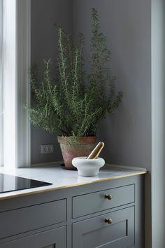 Kvänum kök Modern Classic Dalby Grå handmålad på ask