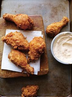 Fan de poulet? Mais vous ne savez plus comment impressionner vos proches? On vous donne quelques idées avec ces 10 recettes qui vont vous faire saliver! Aussi bien pour le dîner que pour l'apéritif, vous a...