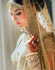 Looking for Bridal Lehenga for your wedding ? Dulhaniyaa curated the list of Best Bridal Wear Store with variety of Bridal Lehenga with their prices Indian Bridal Fashion, Indian Bridal Wear, Pakistani Bridal, Bridal Lehenga, Indian Bridal Jewelry, Pakistani Makeup, Bride Indian, Punjabi Bride, Bridal Jewellery