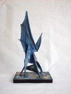 Azul 27x14x11 cm. tela y madera 2011