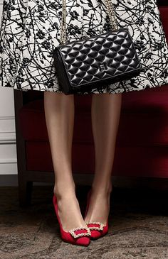Carolina Herrera 2016 I love black and white skirts with red pumps!