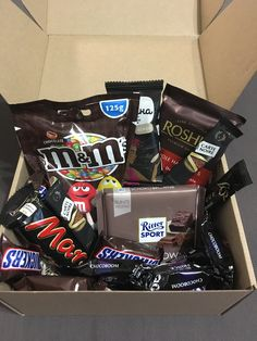Gift in black: box of sweets. Perfectly matches a bottle of Jack Daniels 🎁. Gift in black: box of sweets. Perfectly matches a bottle of Jack Daniels 🎁… Gift in black: box