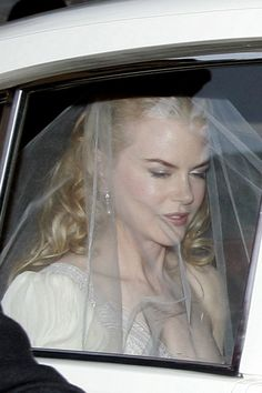 "Nicole Kidman's 2nd wedding to Keith Urban was in beachside Sydney suburb of Manly.  Hugh Jackman sang Peter Allen's ""Tenterfield Saddler"", while Keith sang her a song of his own ""Making Memories of Us"". Australian glitterati inc. Baz Luhrmann, Russell Crowe, Rupert Murdoch, & Naomi Watts."