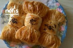 Fiyonk Börek Tarifi Turkish Recipes, Asian Recipes, Pastry Recipes, Cooking Recipes, Quiche, Bread And Pastries, Middle Eastern Recipes, Dough Recipe, Food Presentation