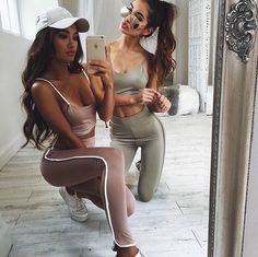 Shop Women's Activewear at Showpo - living in your gym clothes has never been so stylish! Best Friend Outfits, Best Friend Photos, Best Friend Goals, Sport Outfits, Trendy Outfits, Cute Outfits, Fashion Outfits, Style Fashion, Mode Instagram