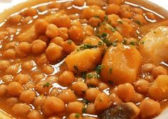 Cuban Potaje de Garbanzos or Chick Pea Soup Mexican Food Recipes, Healthy Recipes, Ethnic Recipes, Spanish Recipes, Spanish Food, Breaded Steak, Okra Stew, Cuban Dishes, Cuban Cuisine