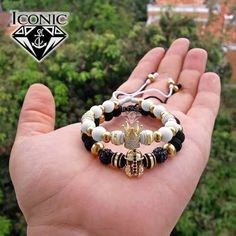 ICONIC_STORE - Melinterest Colombia Miguel Angel, Beaded Bracelets, Store, Jewelry, Fashion, Bracelets For Couples, Hardware Pulls, Bracelets, Colombia