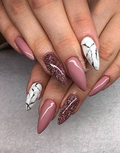 Marble and mauve stiletto nails. Marble and mauve stiletto nails. Perfect Nails, Gorgeous Nails, Hair And Nails, My Nails, Fall Nails, Red Gel Nails, Red Stiletto Nails, Cute Nails For Fall, Pointed Nails