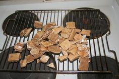 Hundekjeks med tunfisk Firewood, Texture, Crafts, Blogging, Dog, Surface Finish, Woodburning, Manualidades, Handmade Crafts
