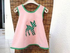"""Märzherz    """"Bambi""""    Schürzenkleid Hängerchen Kittel Kleidchen     ♥♥♥♥♥    super süß in den Farben altrosa/grün    Reh-Applikation    ♥♥♥♥♥♥    ..."""