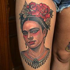 GRACIAS OLGA !!!! #fridakahlo #kalaka #rodrigokalaka #coronatattoo #coronatattoooviedo #oviedo #asturias #asturies #neotrad #ntgallery #neotradpic #neotradsub #neotradtattoo #neotradgallery  #neotraditional #newtattooworkers #neotraditionaltattoo #newtraditionalgallery #tattooworkers #tattoocollection #tattoocollective #thebesttattooartist #thebestspaintattooartists #frida