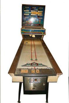 vintage arcade game   Vintage Arcade Games Video Game Machines, Arcade Game Machines, Arcade Machine, Arcade Games, 1960s Toys, 1970s, Pinball Wizard, Skee Ball, Penny Arcade