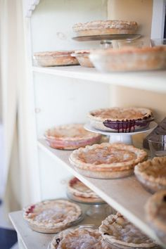 for when I open my pie shop :) Pie In The Sky, Cooking Photos, Cooking Tips, Pie Shop, Sugar Pie, Fresh Farmhouse, Think Food, No Bake Pies, Food Photography