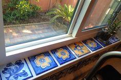 Ideas Kitchen Window Sill Decoration Laundry Rooms For 2019 Tiled Window Sill, Window Sill Decor, Kitchen Window Sill, Window Ledge, Bathroom Windows, Best Bath, Home Renovation, Cool Kitchens, Luxury Kitchens